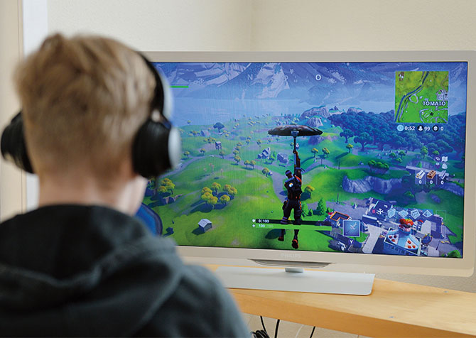 classroom magazines image - how to see how many hours played on fortnite